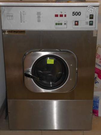 Lave linge 18kg pro en super tat avec resistanc for Combien consomme une machine a laver en eau