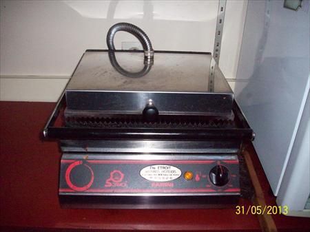 grill panini sofraca 300 80580 erondelle somme. Black Bedroom Furniture Sets. Home Design Ideas
