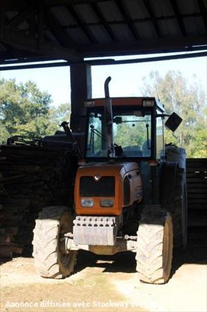 Tracteur Agricole Renault Fructus 140 Renault à 9595
