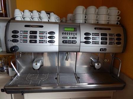 machine caf la cimbali m3s2 toute automatique la cimbali 1800 69400 villefranche sur. Black Bedroom Furniture Sets. Home Design Ideas