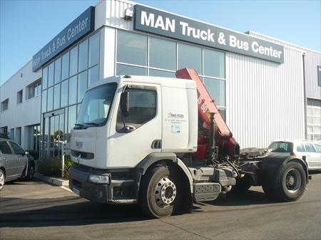 camion tracteur avec grue renault 84300 cavaillon vaucluse provence alpes cote d 39 azur. Black Bedroom Furniture Sets. Home Design Ideas