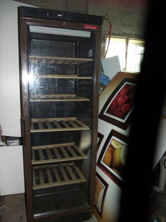 cave a vin frionor d3473 rionor 350 31000 toulouse haute garonne midi pyrenees. Black Bedroom Furniture Sets. Home Design Ideas