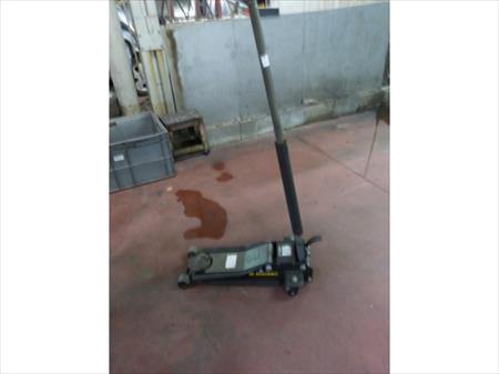 cric de garage rodcraft rh 215 rodcraft rh 215 50. Black Bedroom Furniture Sets. Home Design Ideas