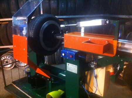 machine a controler les pneus matteuzzi 6500 75001 paris paris ile de france annonces. Black Bedroom Furniture Sets. Home Design Ideas