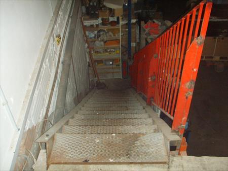 escalier metal 500 83480 puget sur argens var. Black Bedroom Furniture Sets. Home Design Ideas