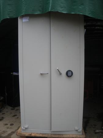 armoire forte: acial à 450 € | 31450 : noueilles haute garonne midi