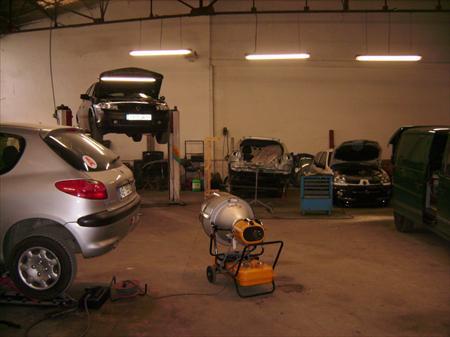 garages centres auto carrosserie en france belgique pays bas luxembourg suisse espagne. Black Bedroom Furniture Sets. Home Design Ideas