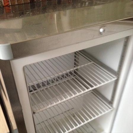 petit frigo inox pro froid positif ou negatif 500 77000 fontainebleau seine et marne. Black Bedroom Furniture Sets. Home Design Ideas