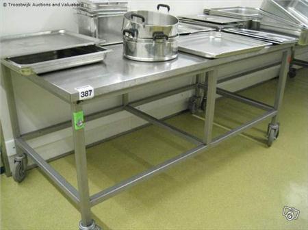 Table inox sur roulettes 450 94500 champigny sur for Table inox pour cuisine professionnelle