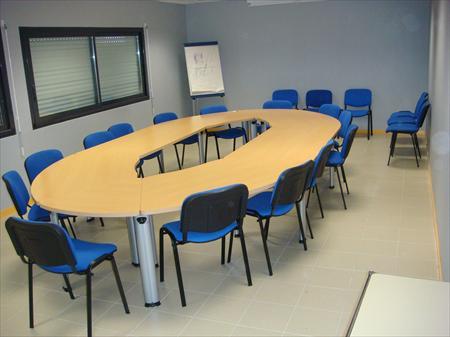 table de reunion conference et 20 chaises nikel 1000 72000 le mans sarthe pays de la. Black Bedroom Furniture Sets. Home Design Ideas