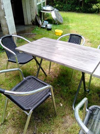 tables et chaises de terrasse 800 24400 st etienne de puycorbier dordogne aquitaine. Black Bedroom Furniture Sets. Home Design Ideas