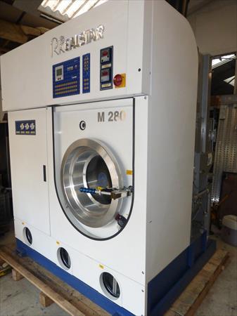 machine de nettoyage sec realstar 3900 71200 le cresuot saone et loire bourgogne. Black Bedroom Furniture Sets. Home Design Ideas