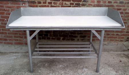 table d coupe viande 80 62700 bruay la buissi re pas de calais nord pas de calais. Black Bedroom Furniture Sets. Home Design Ideas