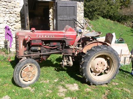 tracteur agricole de collection mac cormick 1800 26190 bouvante le bas drome rhone. Black Bedroom Furniture Sets. Home Design Ideas