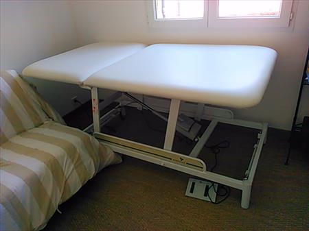 Table de massage electrique ecopostural 420 13380 - Table de massage electrique occasion ...