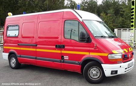 ambulance renault master 500 32230 armous et cau gers midi pyrenees annonces achat. Black Bedroom Furniture Sets. Home Design Ideas