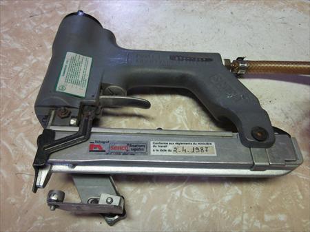 pistolet clous senco 300 92100 boulogne billancourt hauts de seine ile de france. Black Bedroom Furniture Sets. Home Design Ideas