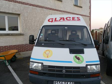 camion de glaces trafic renault 8000 60000 beauvais oise picardie annonces achat. Black Bedroom Furniture Sets. Home Design Ideas
